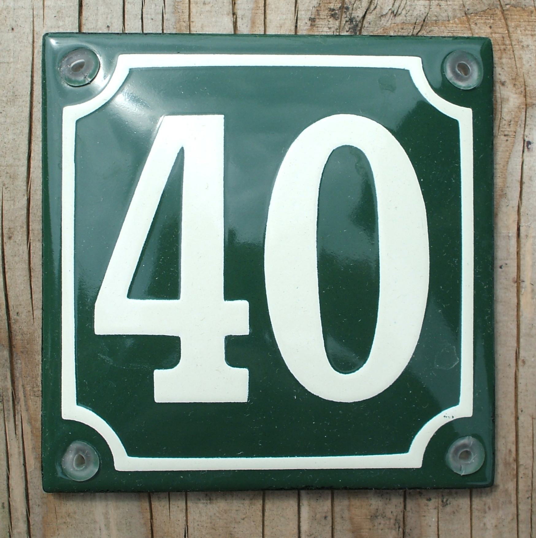 10x10cm. CLASSIC ENAMEL SIGN BLACK No.6 ON A WHITE BACKGROUND HOUSE NUMBER 6